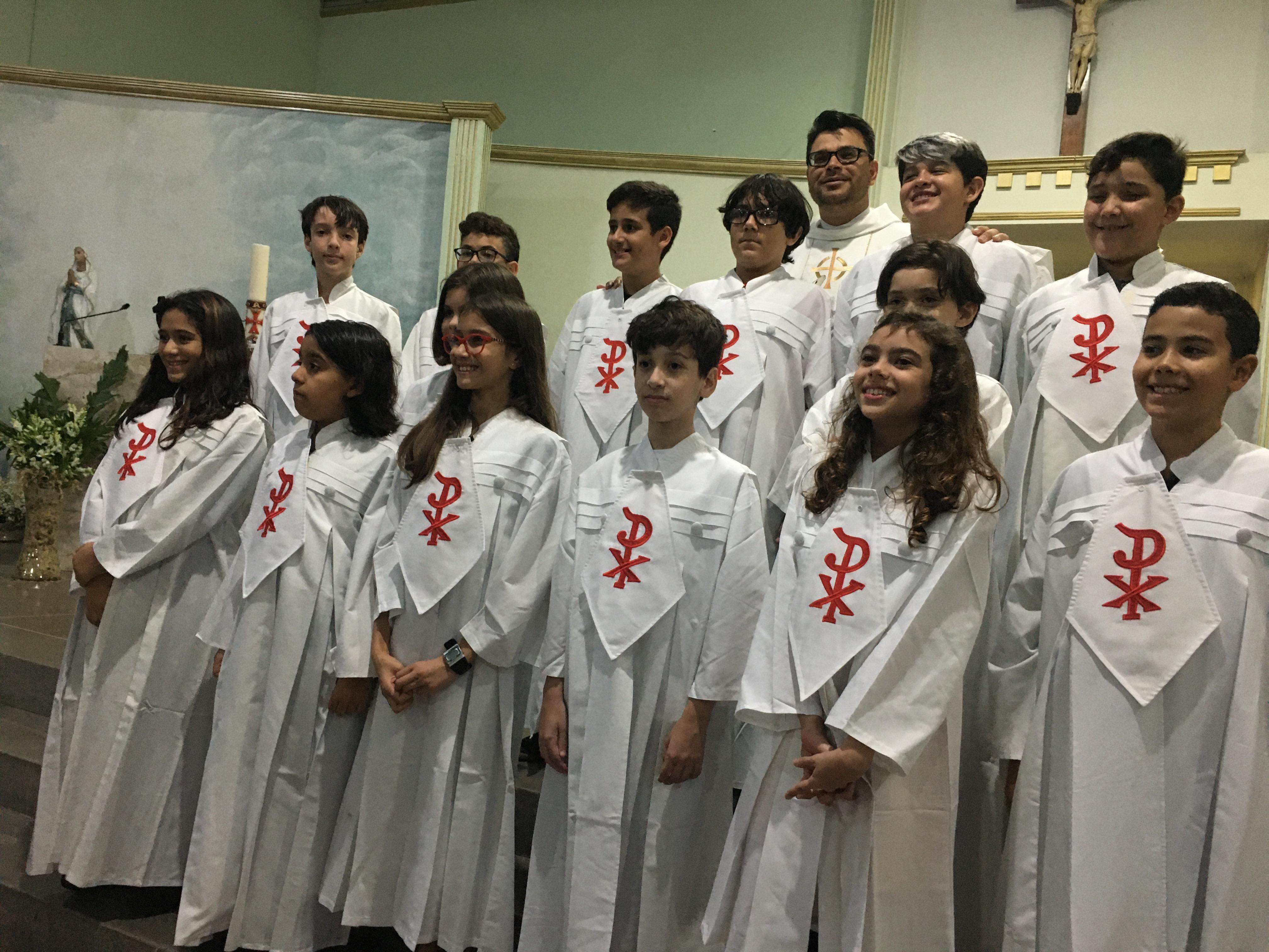 O sacramento da Primeira Eucaristia no Colégio ICJ