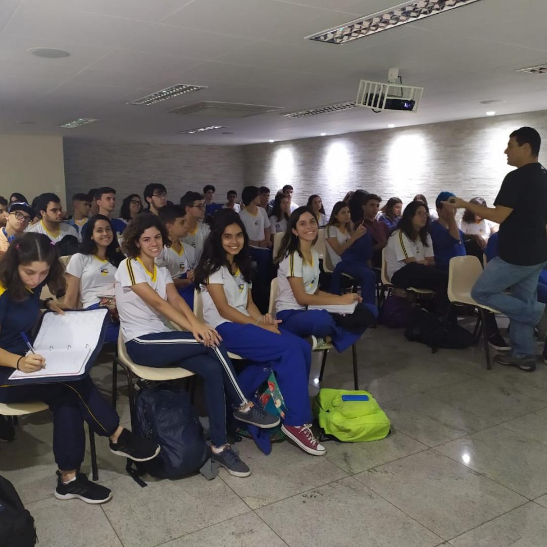 Colégio ICJ alcança notas acima de 900 no ENEM 2019